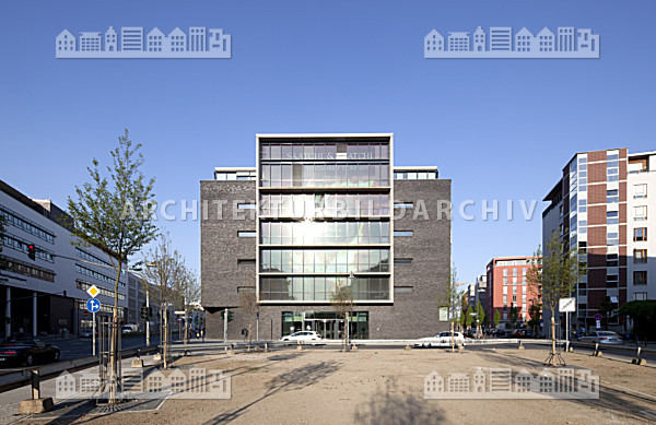 b rogeb ude uhlandstra e 2 frankfurt am main architektur bildarchiv. Black Bedroom Furniture Sets. Home Design Ideas