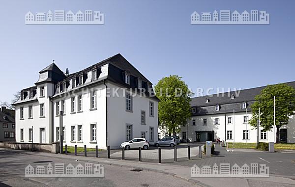 Berufsbildende schule f r wirtschaft dominikanerinnen kloster trier architektur bildarchiv - Architekt trier ...