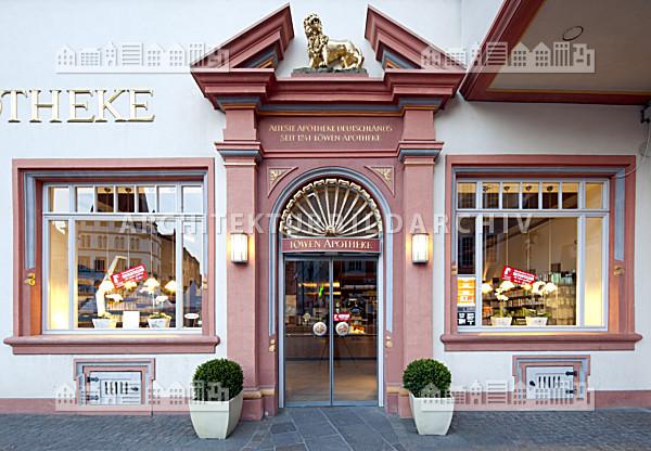Gesch ftshaus hauptmarkt 6 l wen apotheke trier architektur bildarchiv - Architekt trier ...