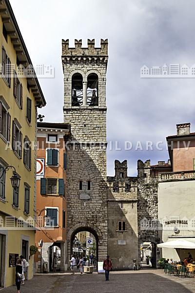 Porta san michele riva del garda architektur bildarchiv - San michele a porta pia ...